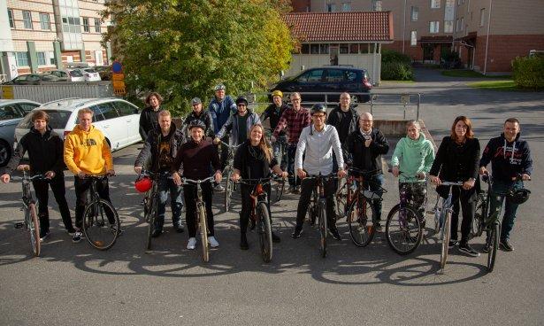 Lianacrew members with their bikes