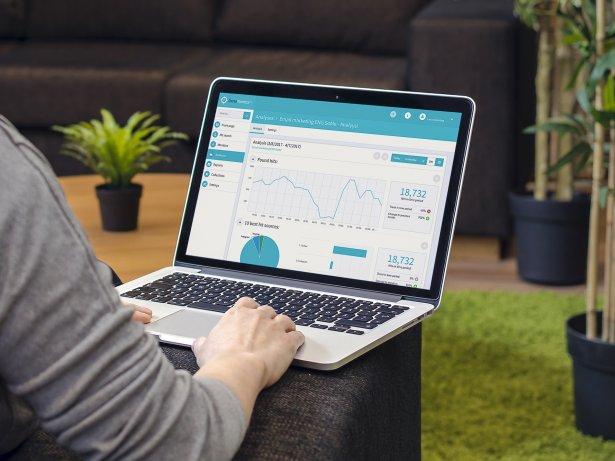 Liana PR-Medienlösung Benutzeroberfläche auf Laptop
